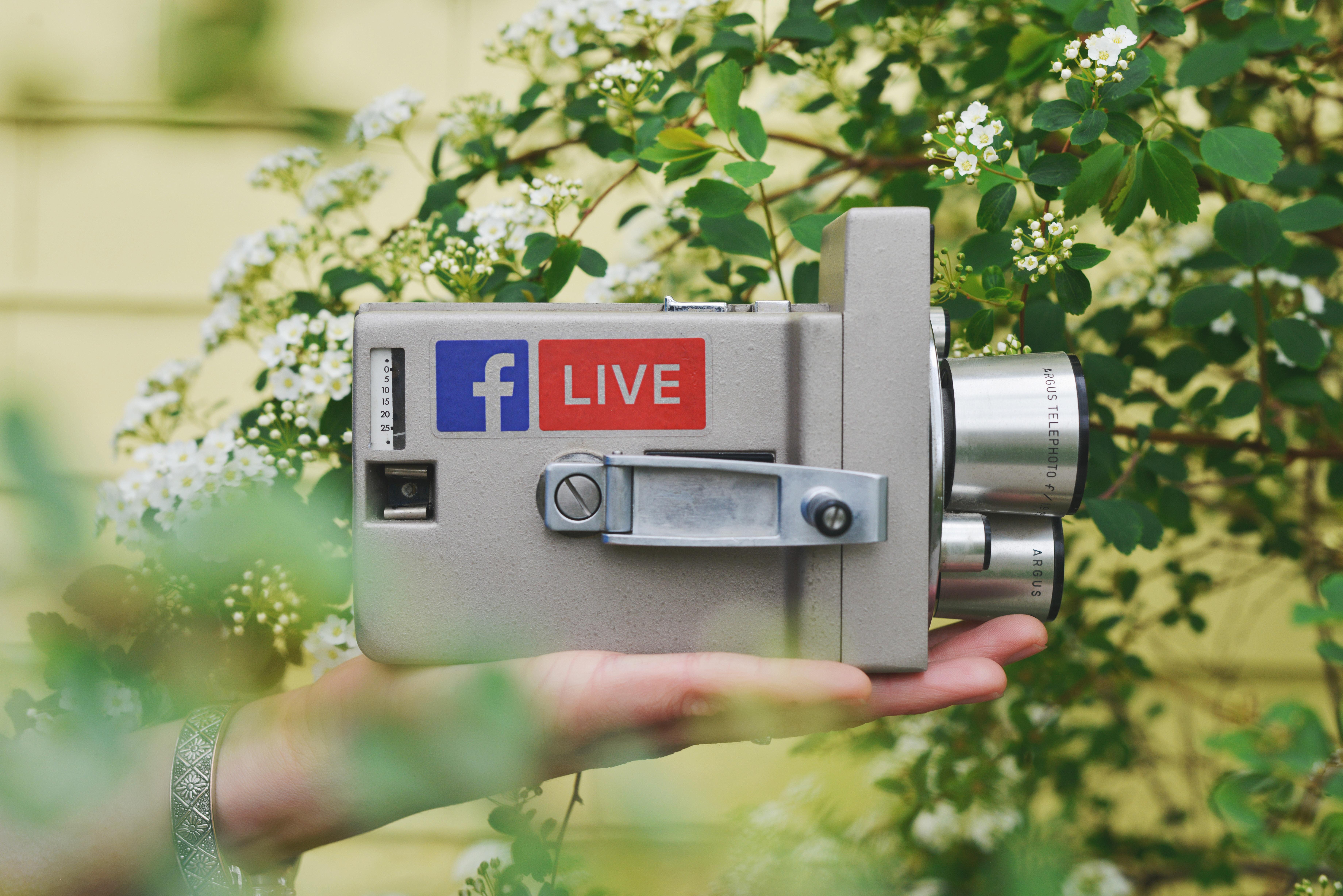 videokamera-med-klistremerker